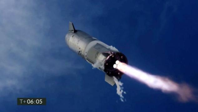 SpaceX星际飞船垂直着陆,然后在最新的测试中爆炸