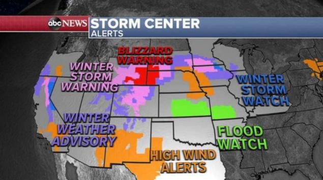 主要风暴在美国中部移动,单独的风暴紧随其后