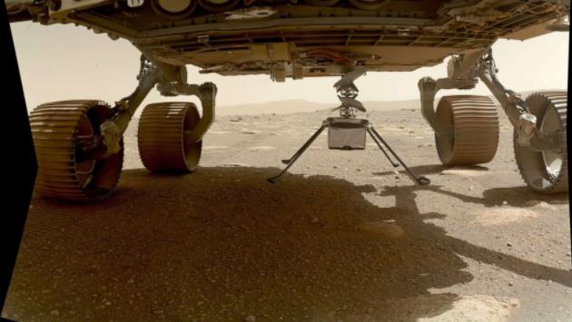 美国航天局的火星直升机在第一天晚上独自生存