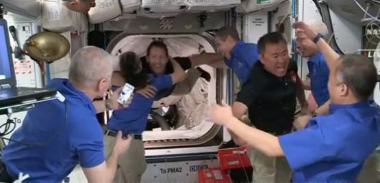 虚惊一场:太空垃圾终究不会威胁到SpaceX机组人员