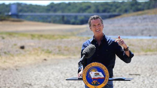 州长要求加州人自愿减少用水