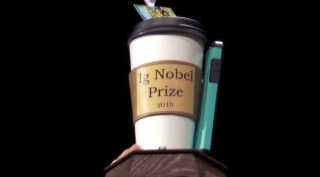 对胡须、口香糖的研究赢得2021年搞笑诺贝尔奖
